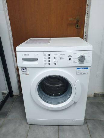 Masina de spălat rufe Bosch.  Model nou. Impecabila