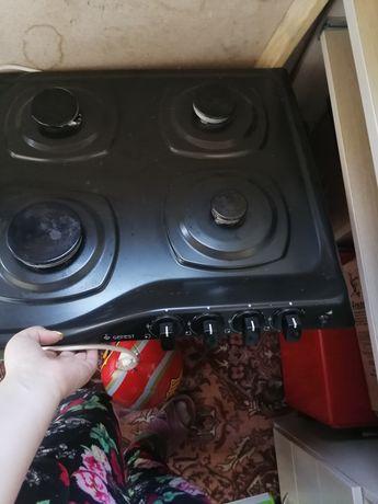 Продам газ плиту варочная поверхность в хорошем рабочем состоянии