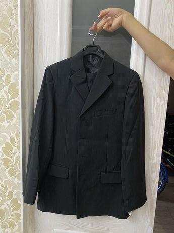 Продается новый костюм тройка для мальчика от ELPA