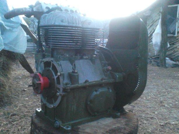 Motor benzina .