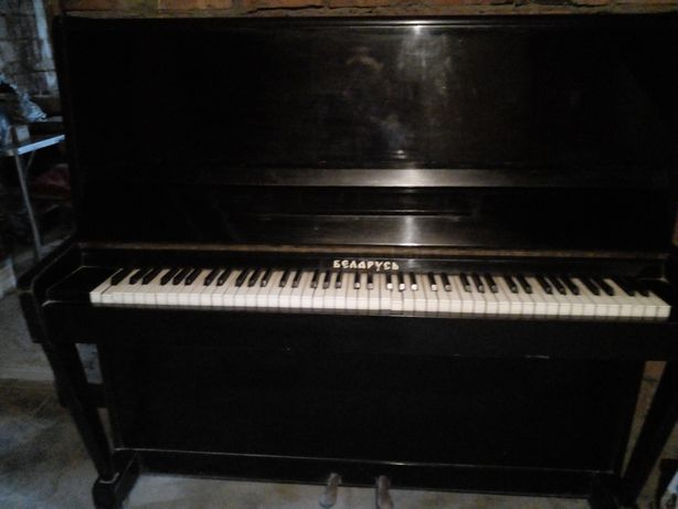 Пианино  Беларусь . цена договорная