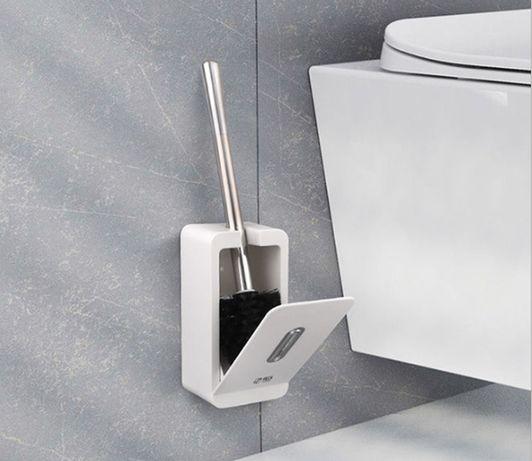 Настенная туалетная щетка для унитаза