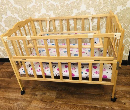 продам детский манеж (кровать) с люлькой