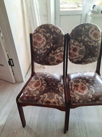 Продаю 4 стул находится Юга Востоке