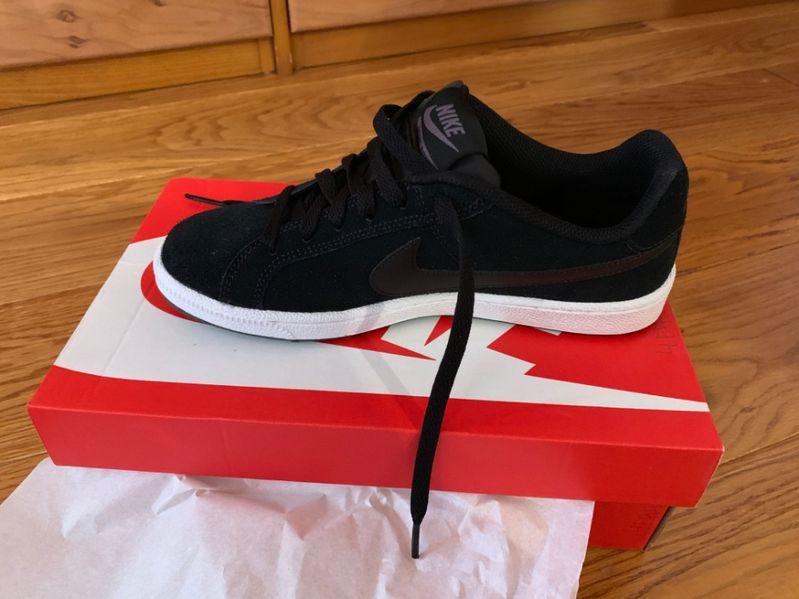 Nike нови дамски спортно-елегантни обувки гр. София - image 1