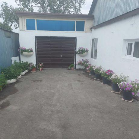 Частный готовый дом с магазином и с крытым двором. В Сортировке