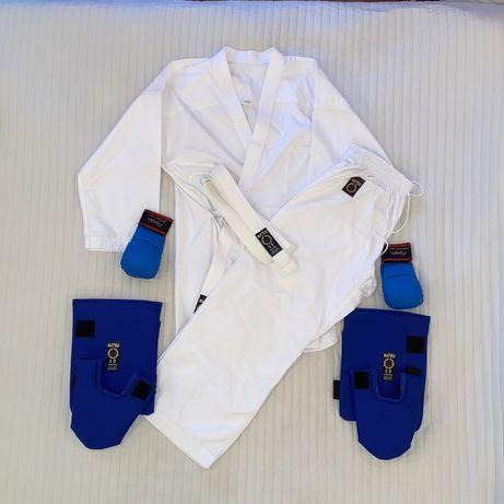 Kimono / Costum Karate + manusi si tibiere