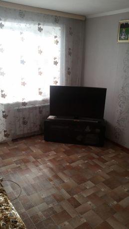 Продам тумбочка под телевизор современная