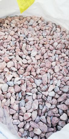 Piatra, decor din GRECIA,marmura rotungită alba, roșie,roz.