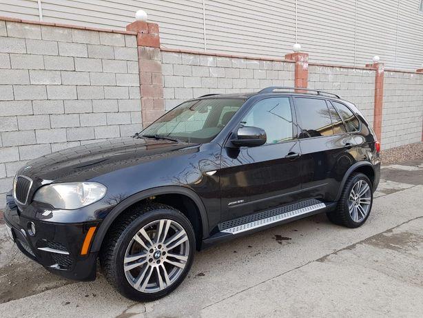 Продам машину BMW x5 в отличном состоянии вложении не требует