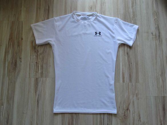 Under Armour бяла еластична тениска размер L