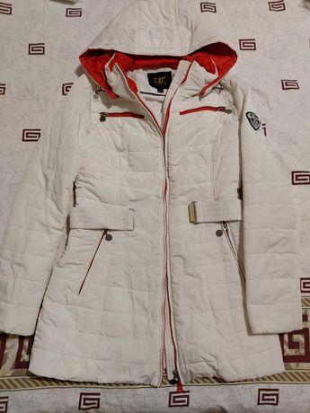 Продам куртку. Брюки кофту юбку 44 размер.