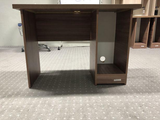 Продам 2 офисных стола для компьюетров