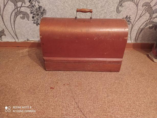 Продам швейную машину СССР