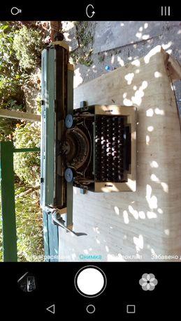 Ретро пишеща машина optima