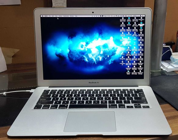 MacBook Air i7, 8GB RAM, 256GB SSD
