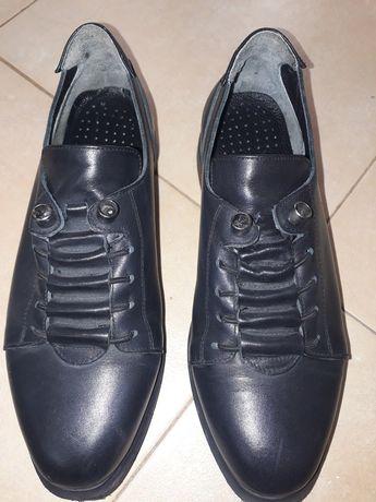 Продавам дамски обувки естествена кожа
