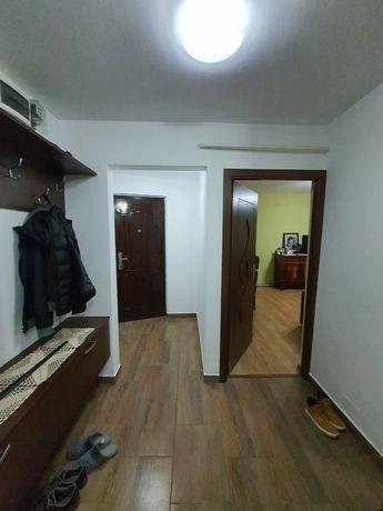 Vand apartament 3 camere Tecuci