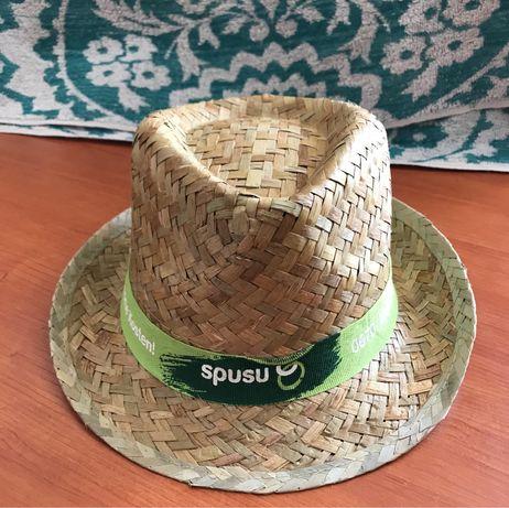 Стильная соломенная шляпа