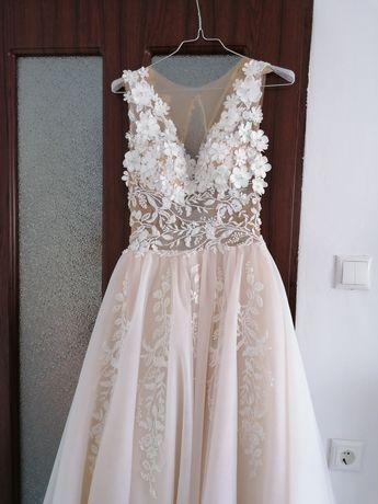Vând rochie de mireasă mărimea 36/38 !!!