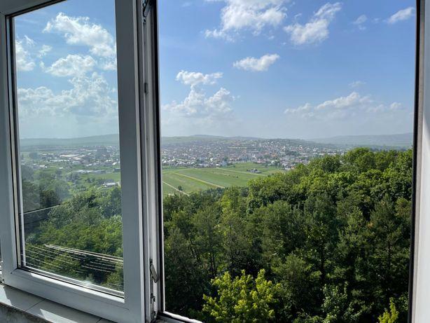 Închiriez apartament Panoramic G enescu regim hotelier suceava+ Garaj