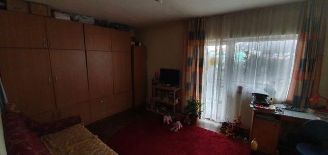 Apartament spatios 2 camere zona centrala in Sebis de vanzare