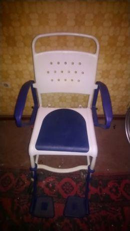 КомбиниранТОАЛЕТЕН СТОЛ REBOTEC-колела- баня/тоалетна.ОтличноСъстояние