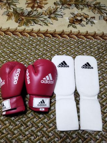 Перчатки для бокса, наколенники