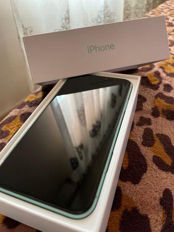 Vând IPhone 11 capacitate 64 GB