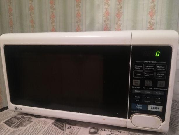 Продам б/у микроволновую печь