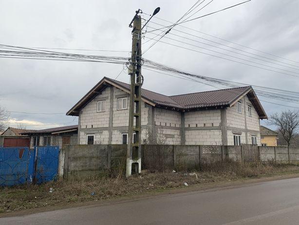 Vând casa in Vădastra.