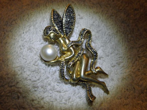 Великолепна старинна брошка,сребро и злато с диаманти и перла,изкуство