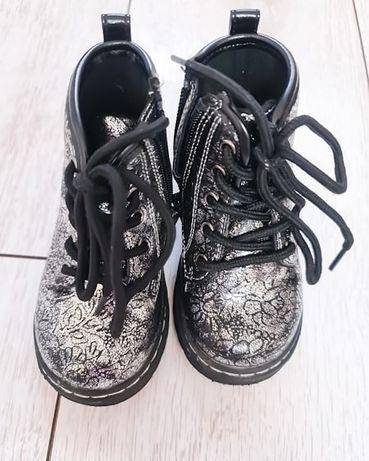 Детские осенние ботиночки в отличном состоянии
