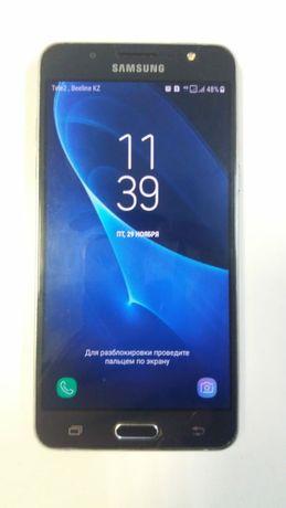 Samsung Galaxy J5 металлический корпус, камера 13Мп и передняя 5Мп.