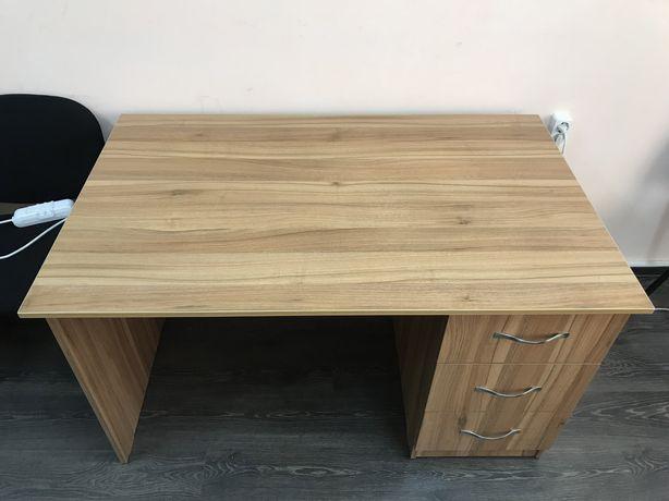 Офисные столы и стулья