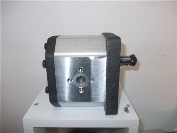 Pompe hidraulice grup 3 pompa hidraulica presiune si debit mare