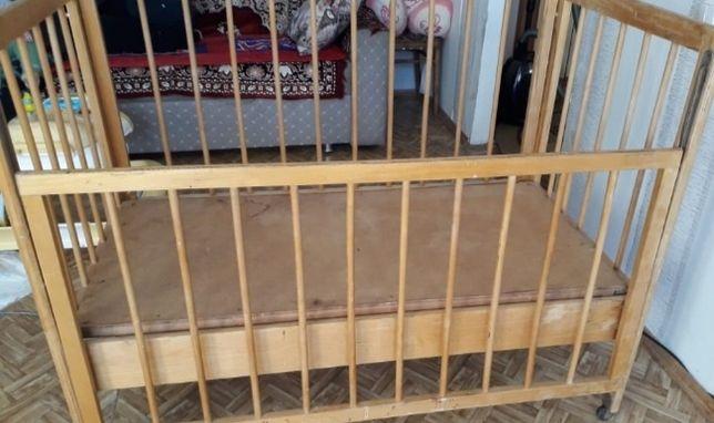 Детская кроватка за 7000