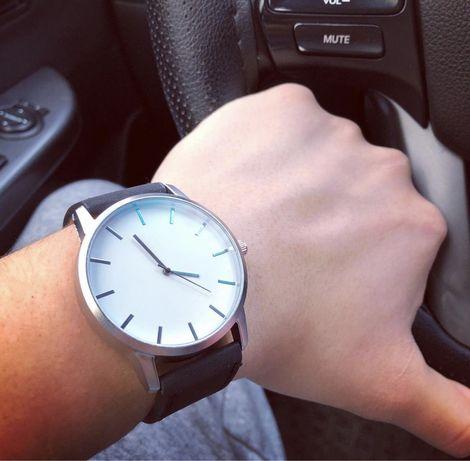 Продаются часы по очень доступной цене