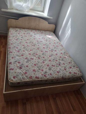 Диван и Кровать с матрасом