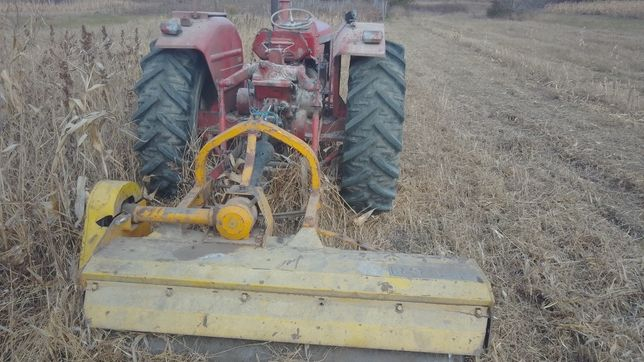 Tractor nuffield 4,76 65 cv ,motor gripat