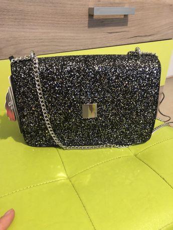 Бляскъва чанта с брукат нова с етикет