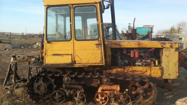 Гусеничный трактор Дт75