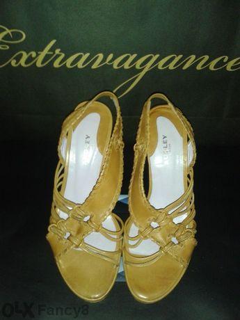 Обувки Audley