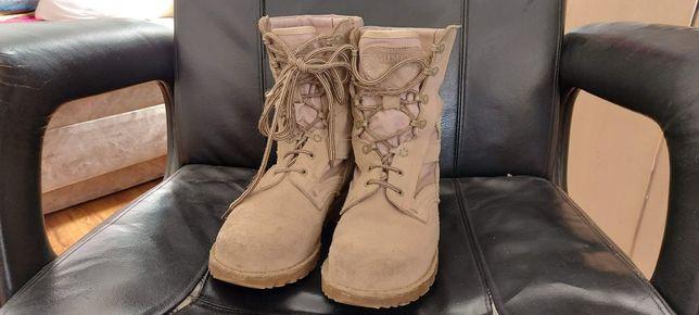 Bocanci Militari de Desert , marimea 26,5 .