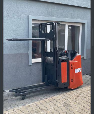 Liza electrica Linde E12, 1.2 tone, an 2012, Catarg duplex