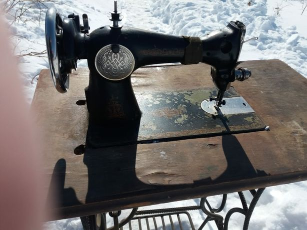 продам швейную машинку в рабочем состоянии