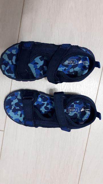 Sandale Next marime 11, fas-arici, foarte usoare si comode