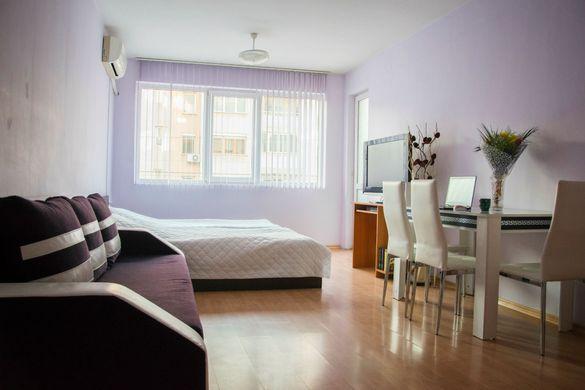 Крис Комфорт -2-стаен апартамент  за нощувки в  центъра на Русе