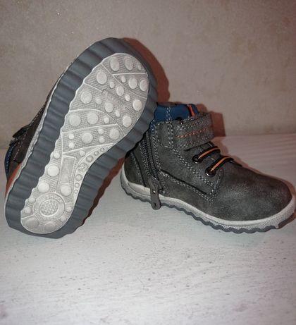 Ботинки кросовки тапочки