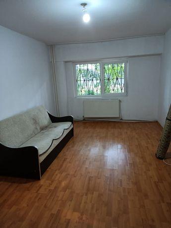 Vand apartament 3 camere decomandat